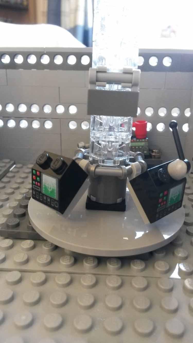 Lord Doctor's Lego Tardis (5)