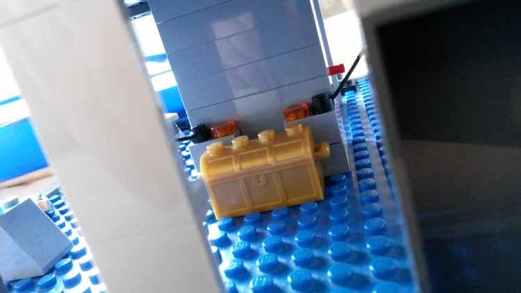 Lord Doctor's Lego Tardis (9)