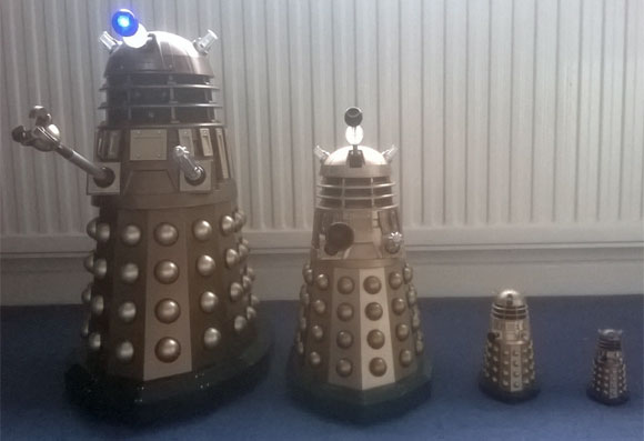 """Doctor Who New Series 18"""" Voice Interactive Dalek Battery Cover Main Unit Figure"""