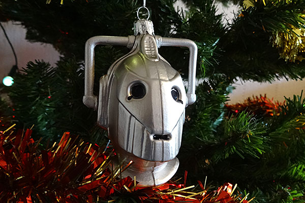 doctor-who-christmas-decoration-cyberman